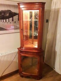 Stunning Walnut Mahogany Brown Antique Vintage Light up Corner Display Cabinet