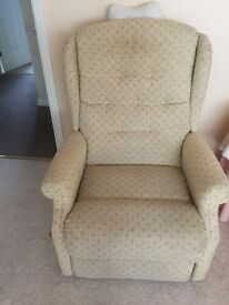 Good Quality Reclining Chair with side magazine rack and easy to useside handle