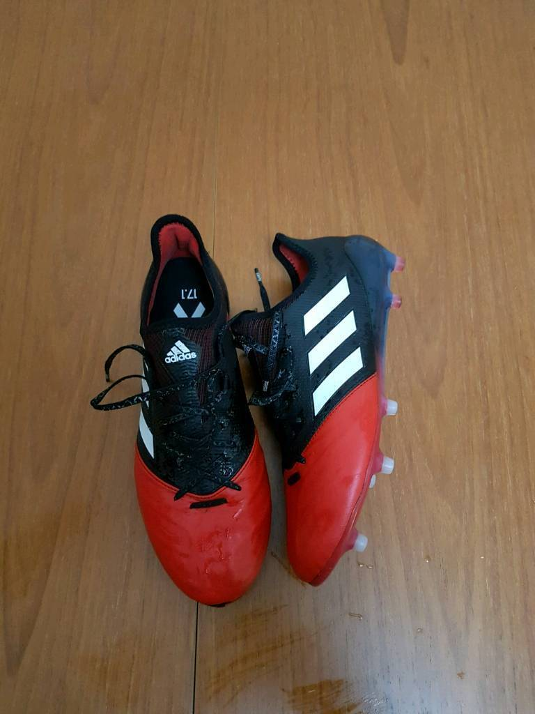 Adidas football boots size 9