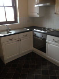 SMART 1 BED FLAT IN TOWN CENTRE