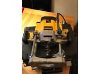 Dewalt router 2000w and jig with pins