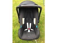 Britax romer baby safe car seat & Isofix base