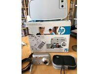HP digital camera with printer dock