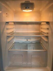 Fridge/freezer (white Beko) £75