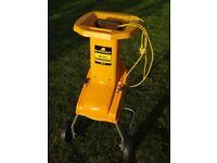 Garden Shredder. McCulloch Chipper Electric 1800W MB 281