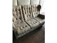 Lovely Queen Anne Highback Style Floral Sofa. Excellent Condition. Could Deliver.