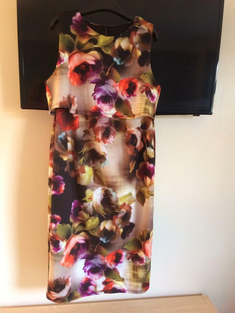 Maternity clothes job lot 10/12in Hull, East YorkshireGumtree - Job lot of maternity clothes in sizes 10s and 12s all from Asos/Dorothy Perkins/topshop/next. Great used condition. Please ask if you wish to know sizes of specific items. Burgundy top with lace sleeves if brand new with tags