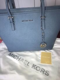 Genuine Michael kors bag in immaculate condition