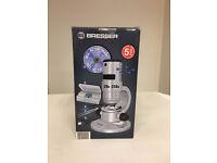 Electronic digital microscope