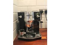 De'Longhi Pump Espresso Coffee Machine - Black