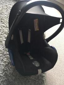 Maxi Cosi seat & ISO fix base