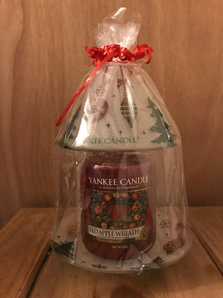 Christmas large Yankee Candles x2