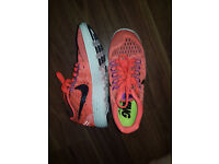 Womens nike running trainers size 3.5 only worn a couple times more like a size 3