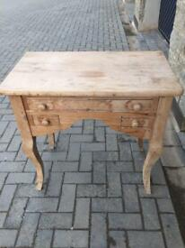 Chest/ table