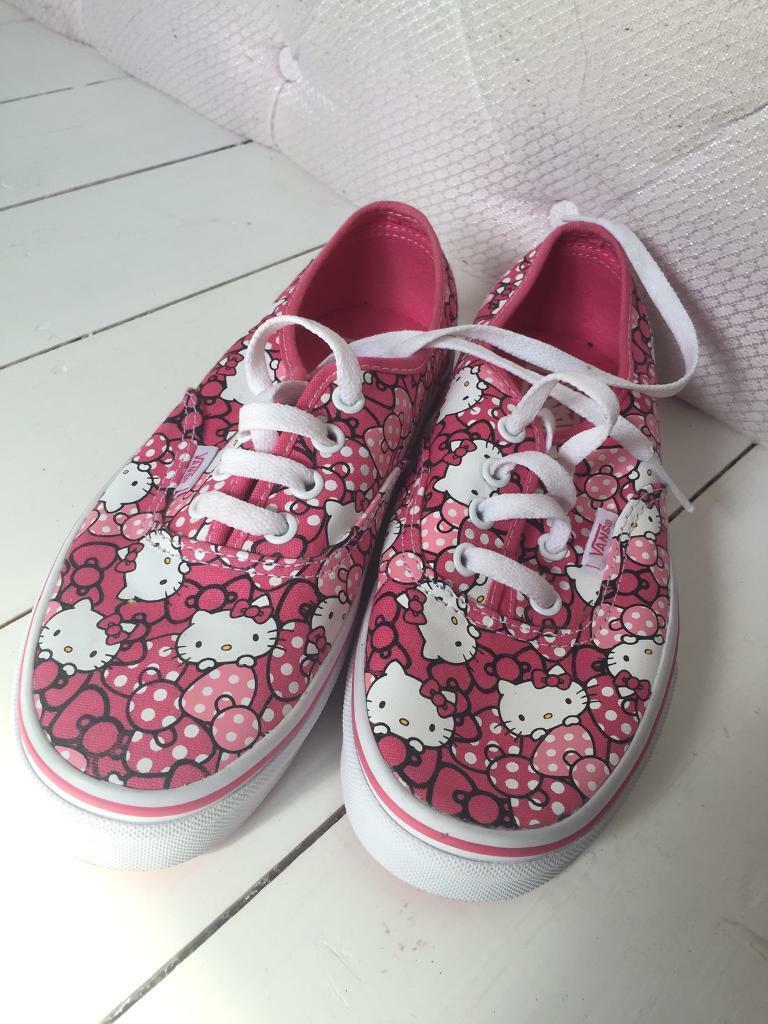 d56acb7171 NEW Vans Hello Kitty Size 4 (37)