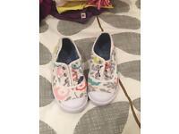 Mini Boden canvas shoes size 27