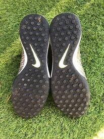 Nike Magisa astro trainers x