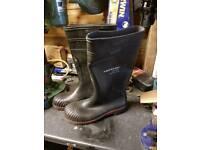 Size 8 Steel toe cap wellies