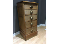 Chest of Drawers. Old/Vintage in Oak with Original Brass Handles