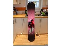 FORUM YOUNGBLOOD SNOWBOARD. 150CM,