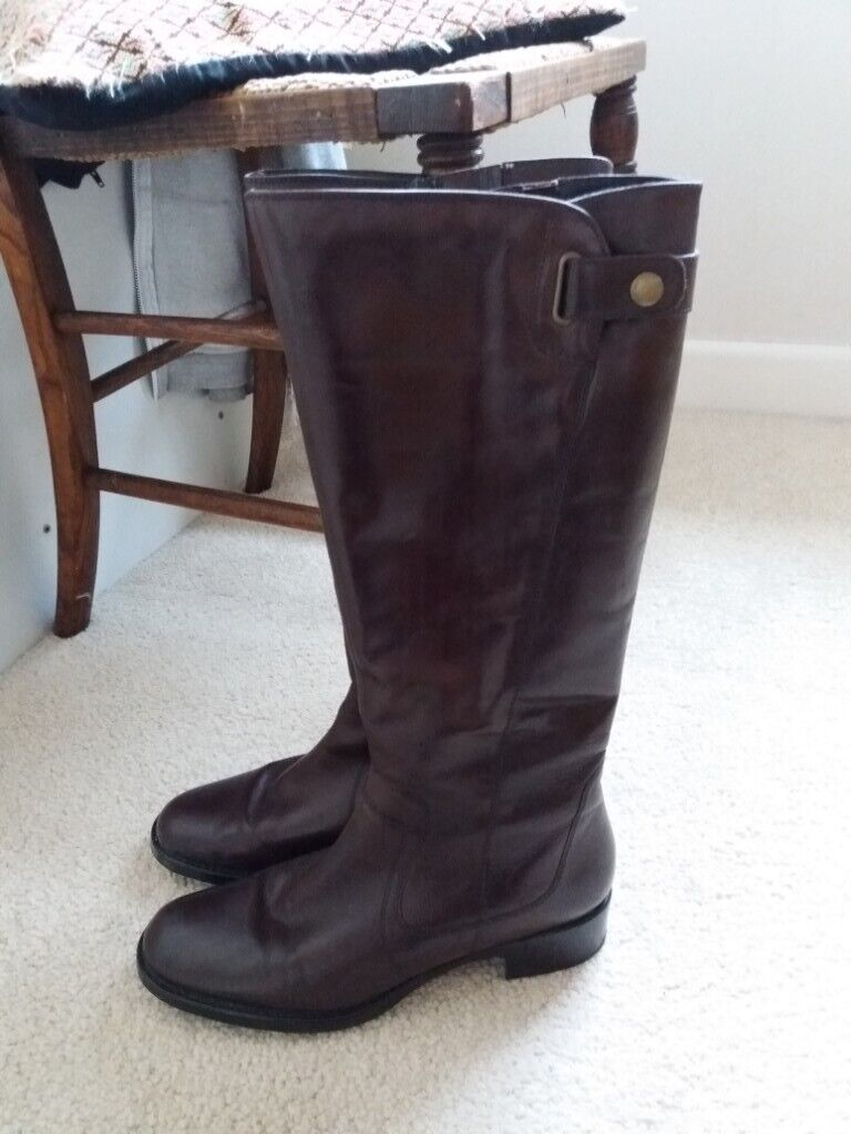 5ffa605dfc2 Ladies Jones knee high boots. Size 37