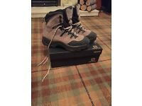 Saloman Ladies Walking Boots Size 6