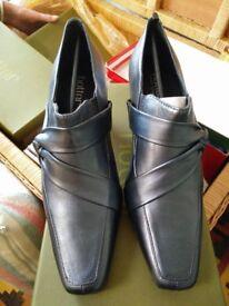 Ho tter Shoes.