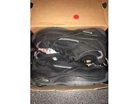 Size 7 Black Heeleys