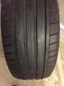 255 45 R20 dunlop sportmaxx GT tyre one only