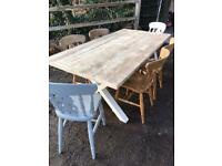 Lovely table and 6 chairs