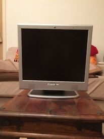 "17"" HP 1730 DVI LCD Monitor w/Speakers (Silver)"