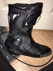 Swift motorbike boots size 9