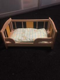Pintoy dall wood bed