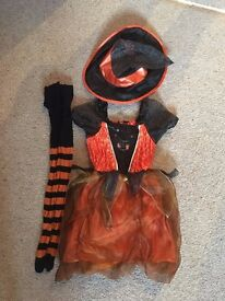 Girls Halloween witch costume outfit age 3-4