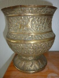 VINTAGE BRASS PERSIAN PLANT POT HOLDER WITH HAMMERED PATTERN