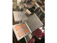 Anastasia Beverly Hills glow kit! Highlighter