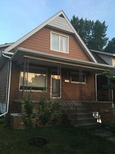 Four BEDROOM ON OTTAWA ST $1500 INCLUSIVE - SEPT 1