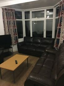 Huge furnished double room, Central Coventry No deposit, Near high street, Central 6, Train station