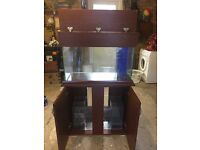 200l fish tank in very good condition with wooden cabinet and lid