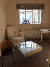 VClean SINGLE Room in a Bedroom Flat Liverpool St Whitechapel Commercial Rd for 1or2 organised girls