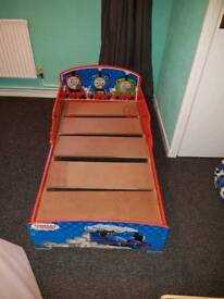 Thomas toddler bed with matteress