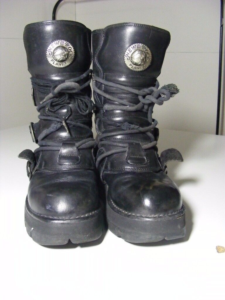 cf0a9130f29 Vintage Black Leather New rock Boots Size 5 (from 90s)