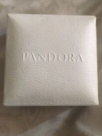 Like new pandora ring size 60 includes original box