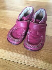 Infant girl shoes size 6.5 Clarks
