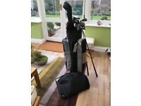 Wilson Aggressor golf clubs with bag.