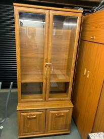 Display cabinet (lounge)