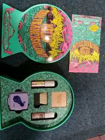 BRAND NEW benifit make up set