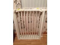 4 x mothercare child security gates,