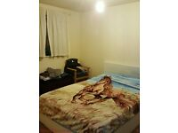 Furnished 1 bed flat to let - close to takeaways, shops, sainsbury local, buses - all open til late