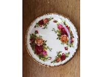 Collectible Old Country Roses 12cm plate. Backstamp 1